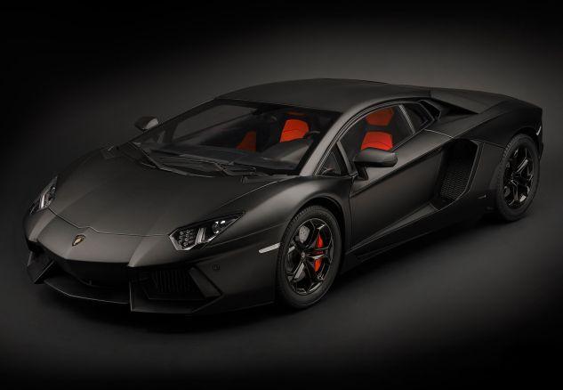 Lamborghini Aventador LP 700-4 - Nero Ne