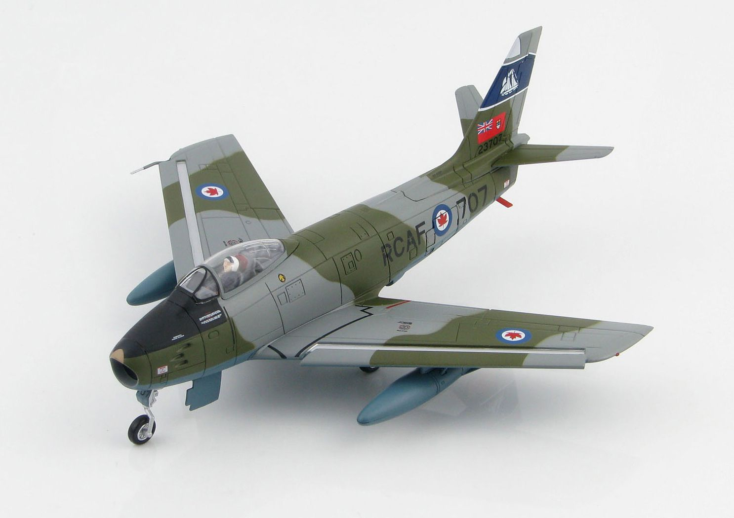 Picture Gallery for Hobby Master HA4305 Canadair Sabre Mk6 23707 (RCAF 434 Sqn 1950)