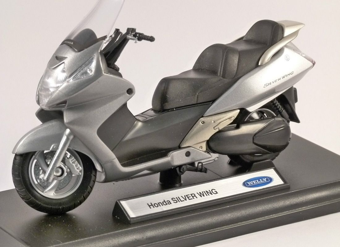 Picture Gallery for Welly 12165PW Honda Silver Wing  - Motorcycle