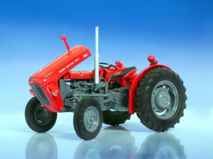 Picture Gallery for Universal Hobbies 2701 Massey Ferguson 35X  - Tractor