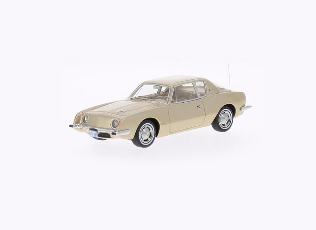 Picture Gallery for Best of Show BOS43090 Studebaker Avanti