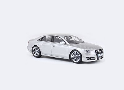 Audi A4 Cabriolet 2000 Silver 1:18 Model MOTORMAX