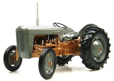 Picture Gallery for Universal Hobbies J2986 Ferguson FE35 (1956)  - Tractor