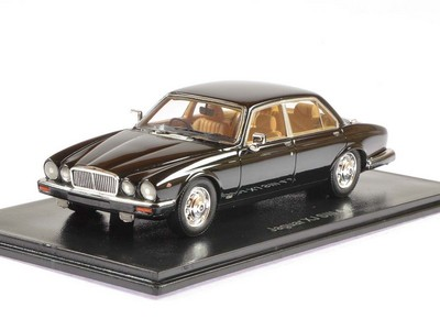 Picture Gallery for Neo 43150 Jaguar XJ Series III (1986)
