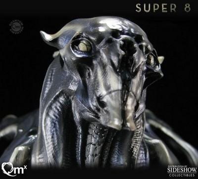 Super 8 Alien Polystone Bust  Super 8