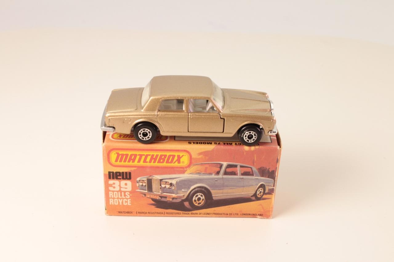 Matchbox #39e - Rolls-Royce Silver Shadow II - Gold/White Interior