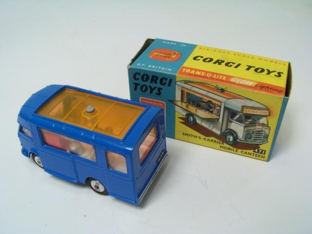 Picture Gallery for Corgi 471 Karrier Snack bar