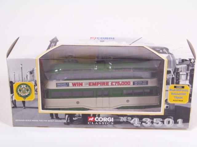 Picture Gallery for Corgi 43501 Blackpool Balloon Tram