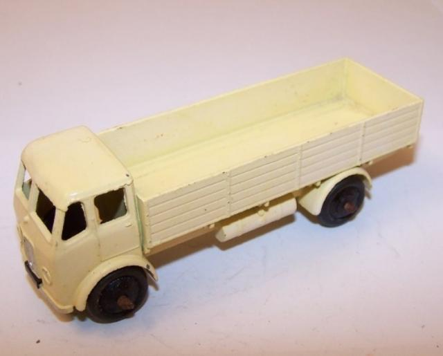 Picture Gallery for Dinky 25r Leyland Forward Control Lorry