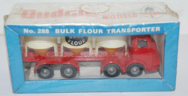Picture Gallery for Budgie 288 Bulk Flour Transporter