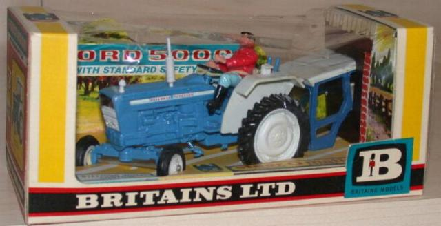 Picture Gallery for Britains 9527 Ford 5000 Tractor