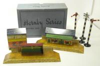 Picture Gallery for Hornby O A845 M Station Set