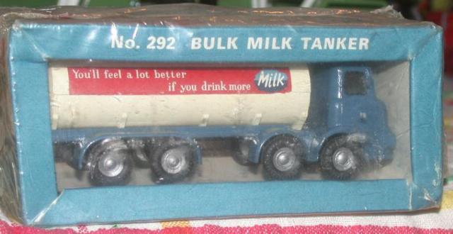 Picture Gallery for Budgie 292 Bulk Milk Tanker