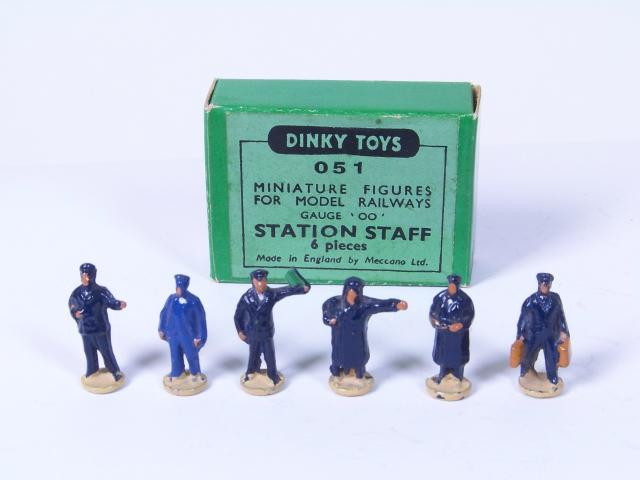 Picture Gallery for Dinky 51 Station Staff Set