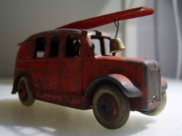 Dinky Streamline Fire Engine No.25h//250 Bell White  Metal Casting spare parts