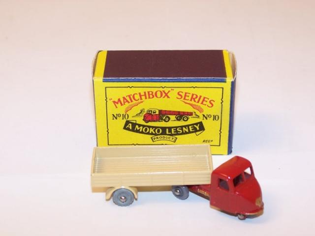 Picture Gallery for Matchbox 10b Scammell Mechanical Horse