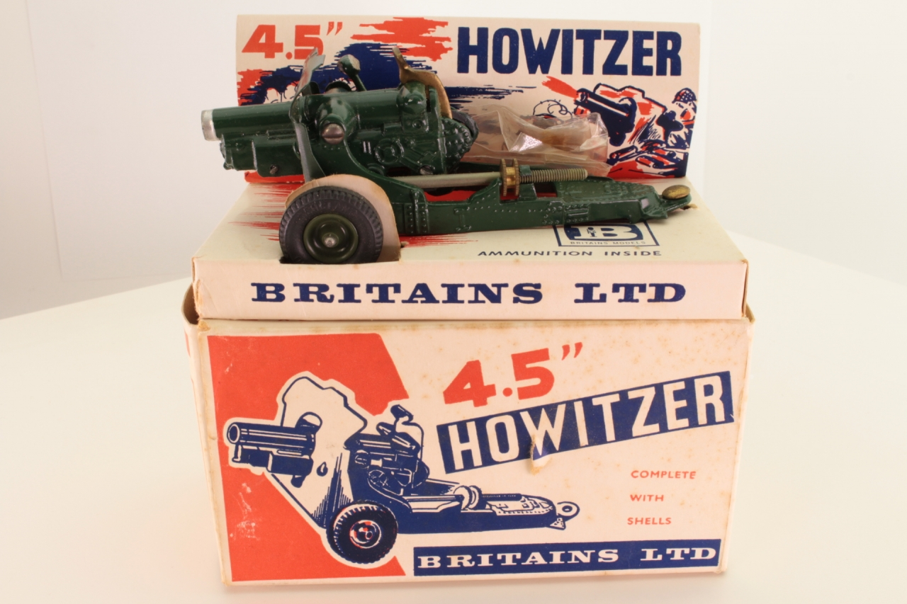 Britains #9725 - 4.5 Howitzer - Dark Green - Gloss
