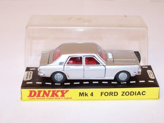 Picture Gallery for Dinky 164 Ford Zodiac MKIV