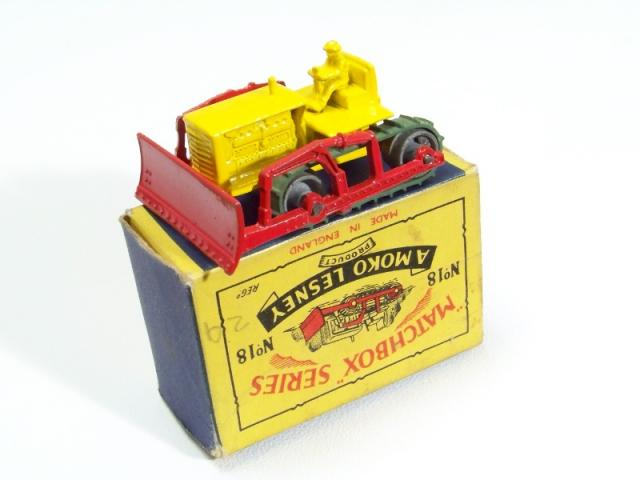 Picture Gallery for Matchbox 18a Caterpillar Bulldozer