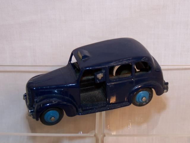 Picture Gallery for Dinky 40h Austin Taxi