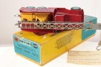 Corgi #1121 - Chipperfields 6x6 - Red/Yellow/Silver