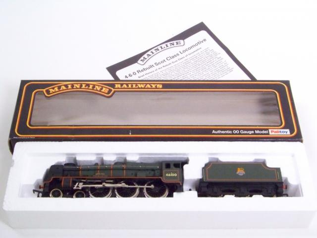 Picture Gallery for Mainline 37057 Royal Scott