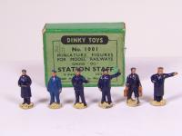 Picture Gallery for Dinky 1001 Station Staff Set
