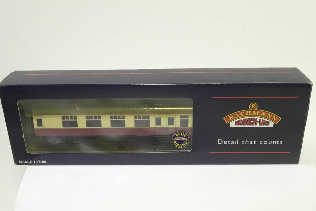Picture Gallery for Bachmann 39077 Express Passenger Corridor Coach