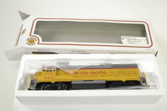Picture Gallery for Bachmann U36B Diesel Loco
