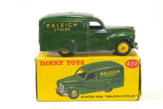 Picture Gallery for Dinky 472 Austin Van