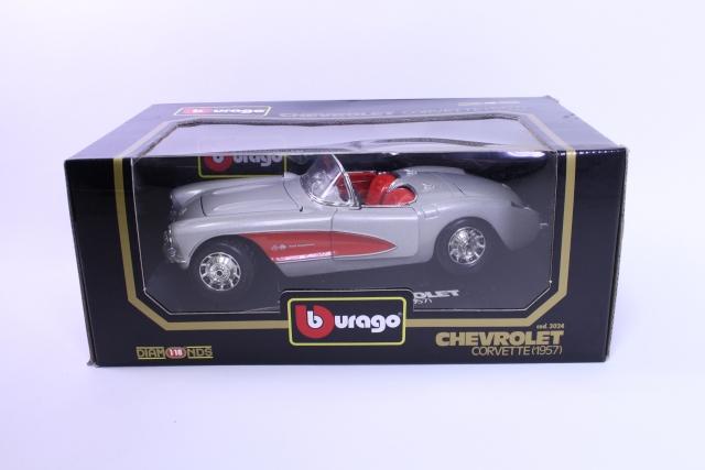 Picture Gallery for Burago 3024 Chevrolet Corvette - 1957