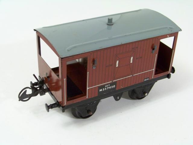 Era 4 R6922 HORNBY Wagon BR AA15 20T /'Toad/' Goods Brake Van W68530
