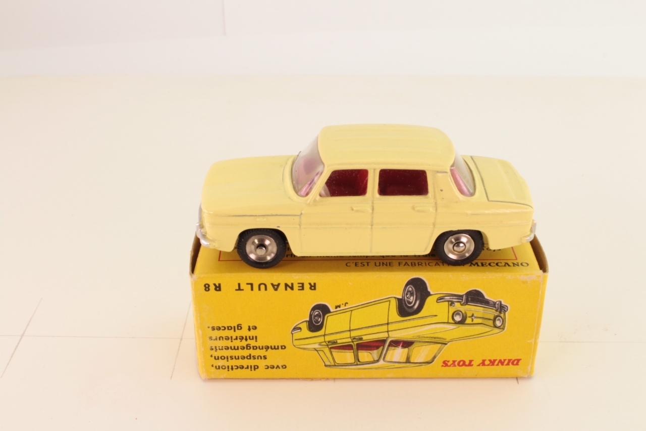 Dinky #517 - Renault R8 - Pale Yellow
