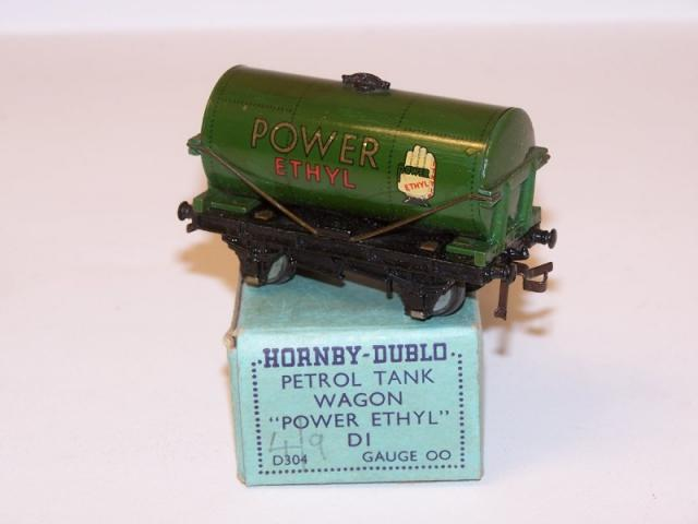 Picture Gallery for Hornby Dublo D1-32080 Tank Wagon