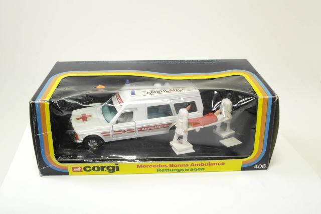 Picture Gallery for Corgi 406 Mercedes Ambulance