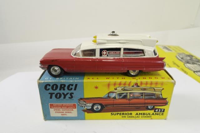Picture Gallery for Corgi 437 Cadillac Superior Ambulance