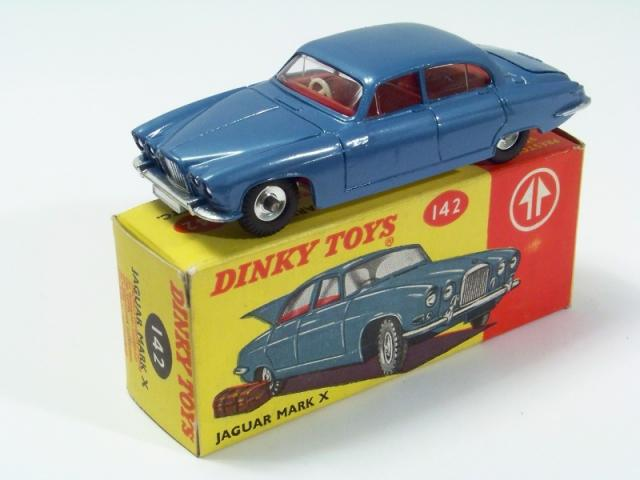 Picture Gallery for Dinky 142 Jaguar MK10