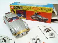 Picture Gallery for Corgi 270 James Bond Aston Martin