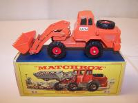 Picture Gallery for Matchbox K-3 Hatra Tractor Shovel