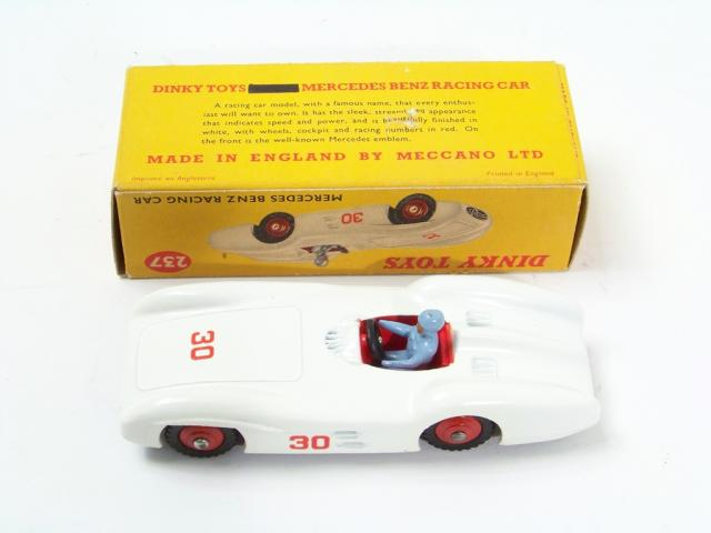 Picture Gallery for Dinky 237 Mercedes Benz Racing Car