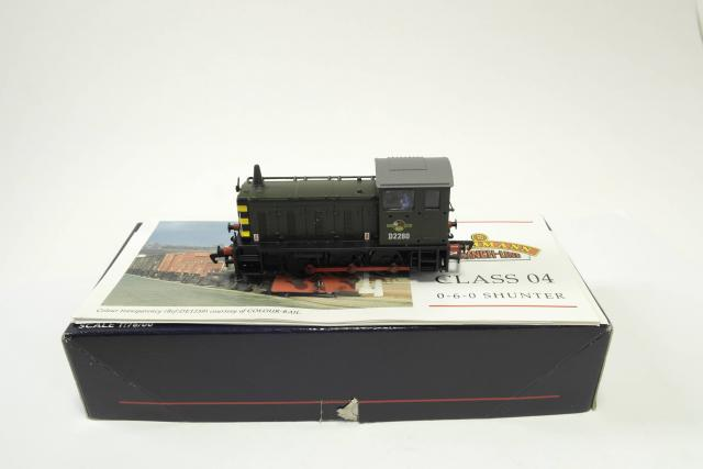 Picture Gallery for Bachmann 31-337 Diesel Shunter