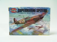 Picture Gallery for Airfix 61065 Supermarine Spitfire
