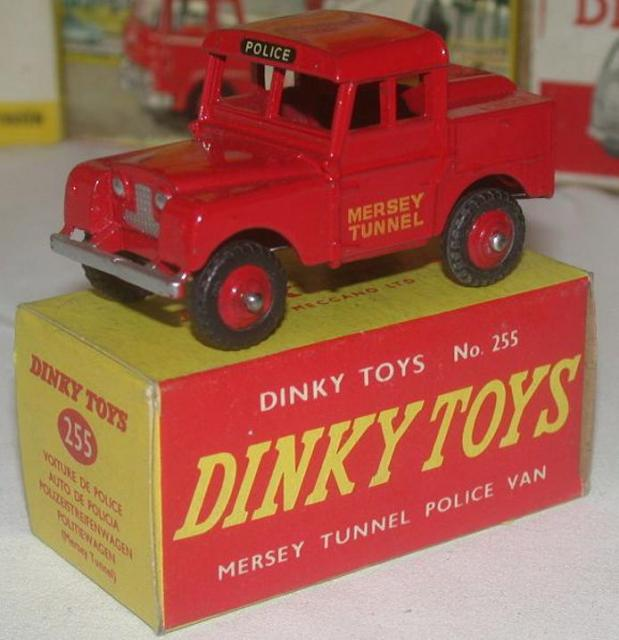 Picture Gallery for Dinky 255 Mersey Tunnel Police Land Rover