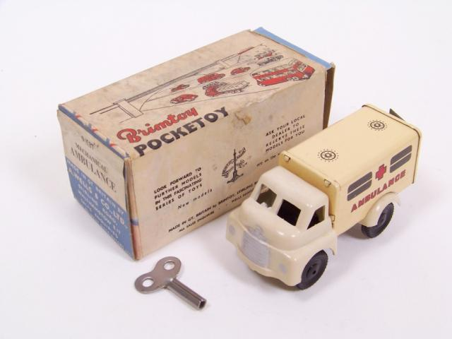 Picture Gallery for Brimtoy 537 Ambulance