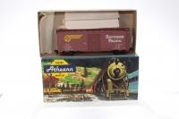 Athearn #1205 - Southern Pacific Box Car Kit - Brown