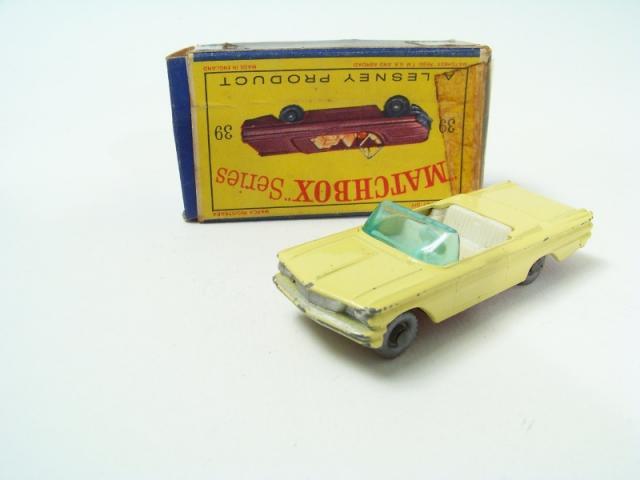 Matchbox Lesney 39 b Pontiac Convertible empty Repro D style Box