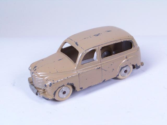 Picture Gallery for CIJ 3/43 Renault Savane