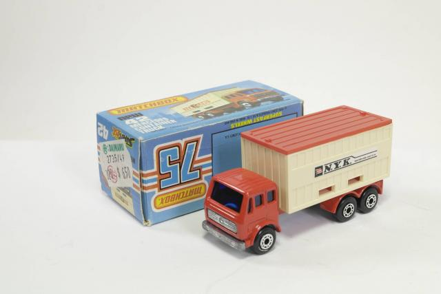 Picture Gallery for Matchbox 42e Mercedes Container Truck