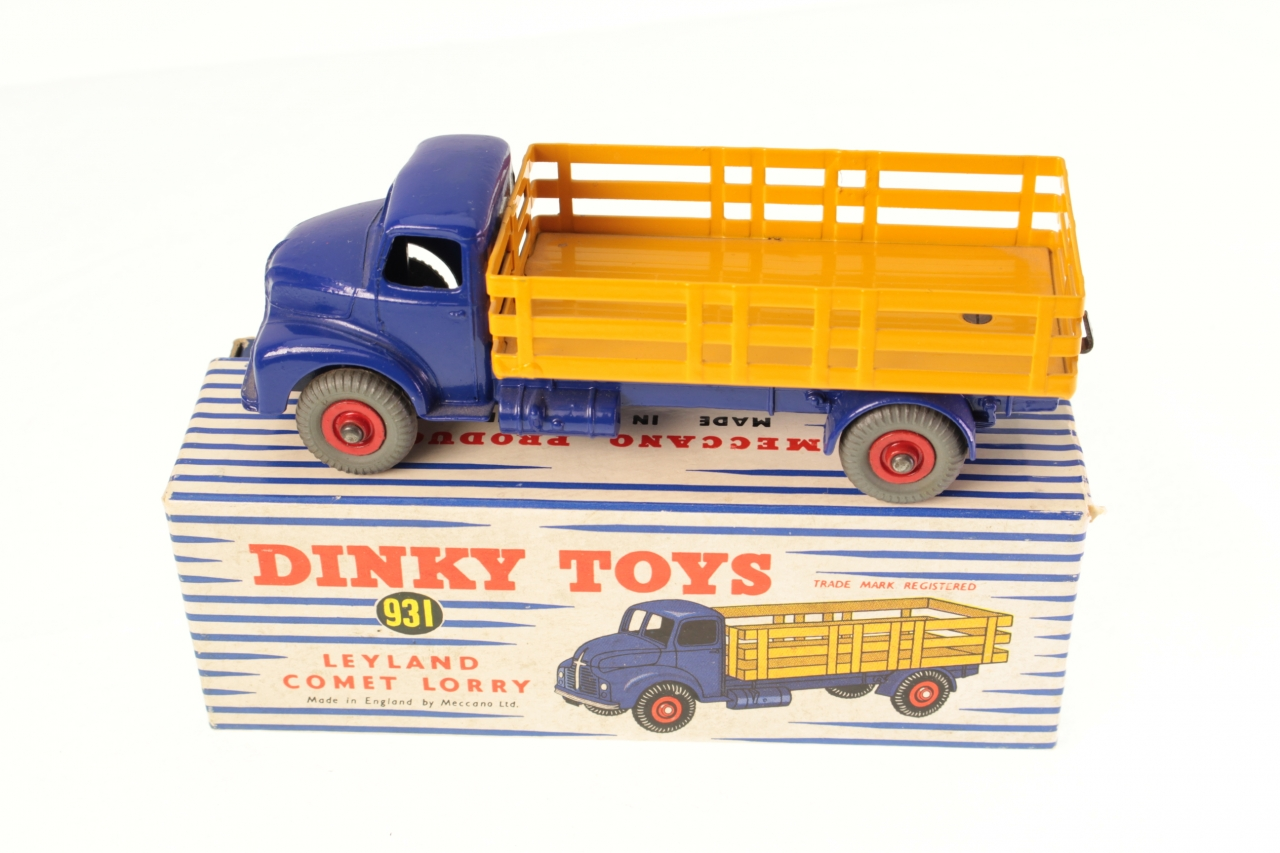 Picture Gallery for Dinky 931 Leyland Comet Lorry