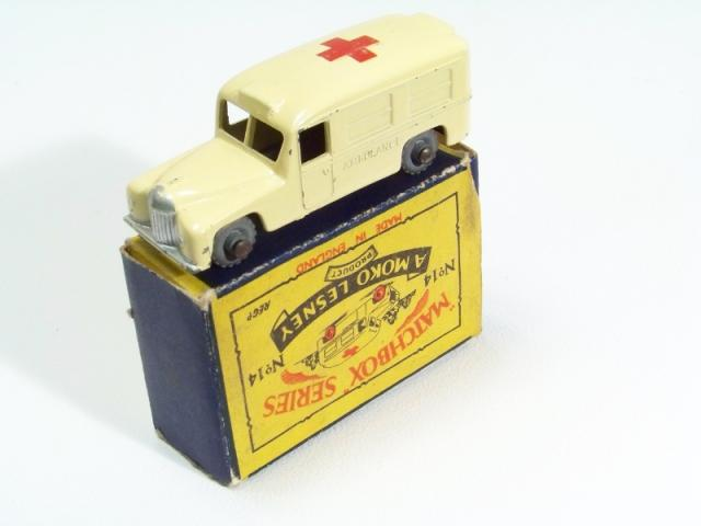 Picture Gallery for Matchbox 14b Daimler Ambulance